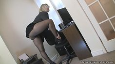Secretary in pantyhose tights - Daniella in pantyhose videos