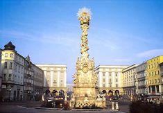 Die Thermen und Wellness Hotels in Österreich Marble Carving, Vienna Austria, Hotels, Emperor, Prague, Louvre, White Marble, Baroque, Gratitude