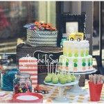 Simple polka dot cake and matching cake pops