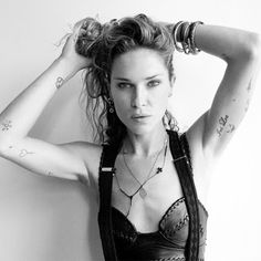 """40 Top Models With """"Fashionable"""" Tattoos"""