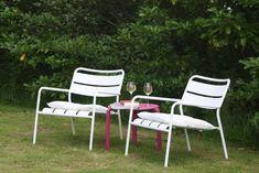 Onze gasten kunnen in de tuin genieten van de rust en de landelijke omgeving. Outdoor Chairs, Outdoor Furniture, Outdoor Decor, Bed And Breakfast, Home Decor, Decoration Home, Room Decor, Garden Chairs, Home Interior Design