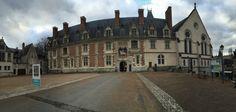 Das herrschaftliche Schloss in Blois an der Loire…   local. travel. vivre. Le Chat Blog lechatsurlabanquette.com