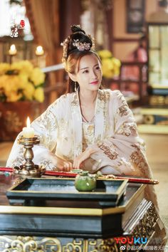 Bloody Romance (媚者无疆) is adapted from the novel written by Ban Ming Ban Mei and stars Li Yi Tong, Qu C… Chinese Picture, Romance, Kdrama, Ancient Beauty, China Girl, Chinese Clothing, Traditional Fashion, Star Girl, Hanfu