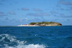 Best Antigua attractions: Stingray City, Nelson's Dockyard, Museum of Antigua and Barbuda, Betty's Hope, Shirley Heights, Devil's Bridge, Heritage Quay and other points of interest