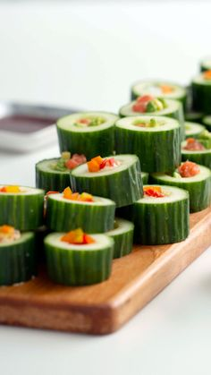 This carb-light take on sushi couldn't be easier! This carb-light take on sushi couldn't be easier! Healthy Appetizers, Appetizer Recipes, Healthy Snacks, Healthy Recipes, Cucumber Appetizers, Sushi Recipes, Cooking Recipes, Best Party Food, Health Dinner