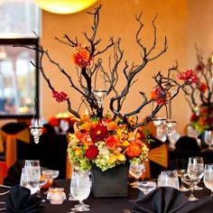 This is a great idea for a Fall Wedding Theme.