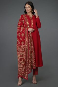 A Global Luxury Design House reinterpreting Indian heritage threads for the modern, discerning consumer - Crimson Red- Beige Hand Embroidered Phulkari Suit Source by ronjaogl - Pakistani Dress Design, Pakistani Dresses, Indian Dresses, Indian Outfits, Kurta Designs Women, Blouse Designs, Indian Attire, Indian Wear, Salwar Suits Party Wear