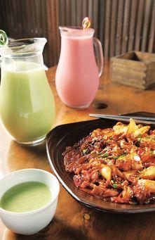 Fruit infused rice wine (makgeolli, 막걸리)