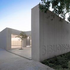 Biblioteca Sant Josep, Ontinyent (Valencia) | Ramon Esteve  + http://hicarquitectura.com/2013/08/ramon-esteve-estudio-de-arquitectura-biblioteca-sant-josep/  > Av. Benicadell, Ontinyent (Valencia)