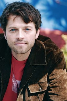 Supernatural!!! Misha Collins and those lovely blue eyes..he's simply beautiful.