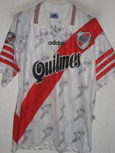 River Plate Home football shirt 1996 - 1998 just picked up this jersey wit Salas on back Football Uniforms, Soccer Jerseys, Football Shirts, Ballon, Messi, Sleep, Eat, Tops, Design