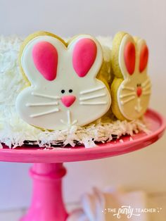 Easy Easter Cake by The Party Teacher-5 place cookies around cake