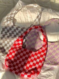Unique Crochet, Cute Crochet, Crochet Yarn, Hand Crochet, Crotchet, Diy Crochet Projects, Crochet Crafts, Crochet Designs, Crochet Patterns