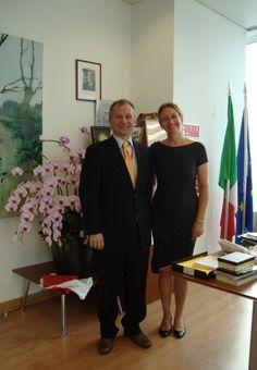 Incontro presso il consolato di Shanghai con il console Stefano Beltrame