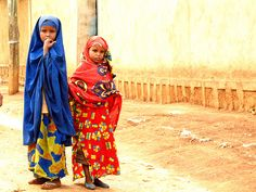Muslim schoolgirls in Harar, the most important city of Ethiopian islam.  take me there? yes please.