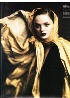 """Ladies in Waiting"" (+)  W Magazine, October 2004  photographer: Paolo Roversi  Lisa Cant"