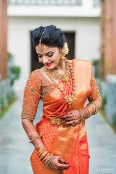 Are you looking for bridal blouse designs for pattu sarees? Here is the photo collection of silk saree blouse designs designs available read more. South Indian Bridal Jewellery, Indian Bridal Sarees, Bridal Silk Saree, Indian Jewelry, Silk Sarees, Kanchipuram Saree Wedding, Kerala Wedding Saree, Pattu Sarees Wedding, Kanjivaram Sarees