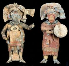 Waka , Guatamala . Figures from 1300 yr old tomb