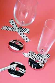 Une table décorée avec du masking tape !