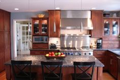 Stonebridge Kitchen and Bath offers many options that will have you falling in love with your home all over again. Transform your space from a full renovation to a quick make over.  Stonebridge does it all...from budgeting and planning to delivery and installation. You don't need to do a thing, except call   (248) 912-1900 to schedule a consultation today!
