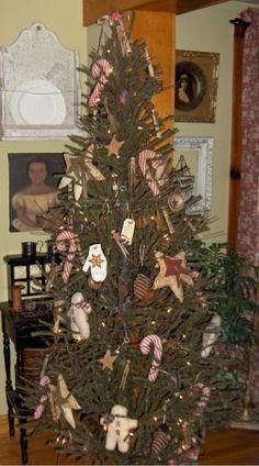 primitive christmas trees   Primitive Christmas - JUNKMARKET Style