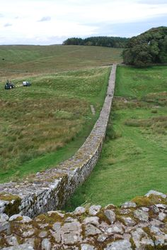 Ruins of England Places To Travel, Places To See, Wonderful Places, Beautiful Places, Style Anglais, Hadrian's Wall, England And Scotland, British Isles, Roman Empire