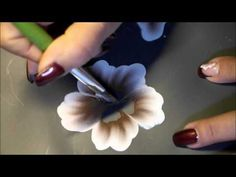 One Stroke - Vorbereitung zum bemalen einer Weihnachtskugel - Teil1 - YouTube