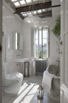 Villa à Madrid - perfection lumineuse - soul inside - salle de bain blanche , white bathroom