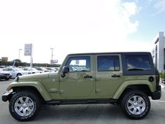2013 Jeep Wrangler Unlimited Sahara, Green, 4X4, 3 Piece Removable Hard top