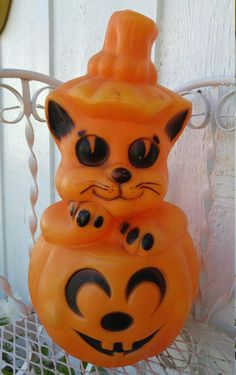 Rare Blow Mold Halloween Light Up Lamp Black Cat Pumpkin/Indoor Pumpkin Light/Black Cat/Jack O Lantern/Spooky Halloween Decoration/Empire  Note: he has some fading (see photos) the plug is missing. You can pick a replacement up at your local hobby shop, as is. He comes with a little fading. Measures approximately 13 1/2 x 8 Email me with any questions PRIOR to purchase / All Sales are Final - NO returns / Store Credit Only  ❀---✿--❀---✿---❀See policies❀...