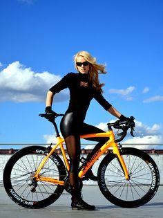 Sabia que eu tinha de andar mais de bicicleta..........! Olha o que eu encontrei hoje andando de bike no calçadão ......!