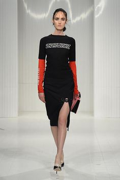 See the complete Ashley Williams Spring 2015 Ready-to-Wear collection.