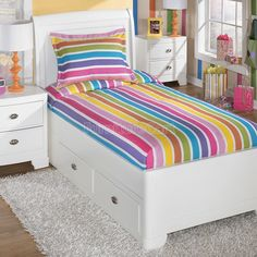Finding the right bedding set for your little one is essential to making his or her bedroom a special place. Simultaneously cozy and fun the Lollipop Rainbow Bedding Set by Ashley Furniture is a stylish and comfortable addition to your kids bedroom. Toddler Girl Bedding Sets, Kids Bedding Sets, Bedding Sets Online, Luxury Bedding Sets, Comforter Set, Girls Bedroom Sets, Girl Bedroom Designs, Rainbow Bedding, Kids Comforters