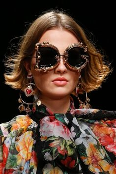 889a1b968273b Les accessoires les plus fous de la Fashion Week printemps-été 2019