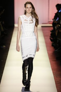 See the complete Hervé Léger by Max Azria Fall 2016 Ready-to-Wear collection.