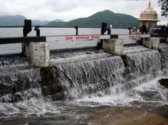 Lake Fatehsagar overflows