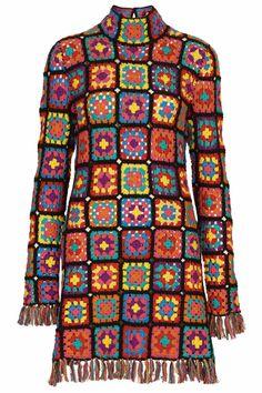 crochelinhasagulhas: Vestido de crochê com square coloridos