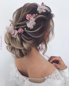 Are you looking for gorgeous wedding hairstyle? Check out these completely romantic and fabulous wedding hairstyles from Ulyana Aster. We have collected the most popular ideas: updos, half-up half-down hairstyles and. Wedding Hairstyles For Long Hair, Loose Hairstyles, Wedding Hair And Makeup, Formal Hairstyles, Bride Hairstyles, Elegant Hairstyles, Hairstyle Wedding, Hair Updo, Hair Wedding