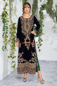 AISHA IMRAN Light Party Wear And Formal Wear at Retail and whole sale prices at Pakistan's Biggest Replica Online Store Shadi Dresses, Pakistani Formal Dresses, Pakistani Wedding Outfits, Pakistani Bridal Wear, Pakistani Dress Design, Pakistani Gowns, Bridal Lehenga, Indian Sarees, Indian Dresses