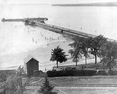 View of Britannia Park beach and pier, 1930 City of Ottawa Archives/RG045/CA018269 CA018269(576×461)