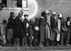 Bread line, 1937.  Image courtesy of Prints and Photographs Division, Library of Congress.