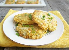 Baked Corn Fritters >>>> This pure corn version easily maintains its shape in the oven and makes a really tasty lunch or side dish for dinner. And, sauteing the onion works great at keeping them moist in the oven. Air Fry Recipes, Side Dish Recipes, New Recipes, Low Carb Recipes, Cooking Recipes, Favorite Recipes, Side Dishes, Quick Recipes, Recipes Dinner