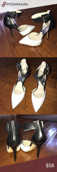 """MICHAEL Michael Kors Ankle strap pumps Michael Kors black/white ankle strap pumps. Used 1x brand new condition ✨ They are 3"""" heels and super comfortable*No box* make any offers ✨ MICHAEL Michael Kors Shoes Heels"""