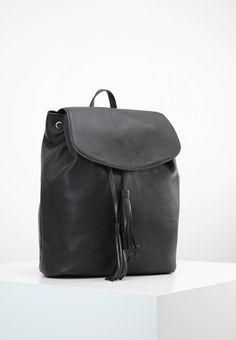 "DAY SELLERIA - Rucksack - black. #LeatherRucksacks #Rucksacks #LeatherBackpacks #Backpacks Lining:textile. carrying handle:4.0 "" (Size One Size). Fastening:Magnet. height:15.5 "" (Size One Size). Details:tassels. Outer material:leather. width:6.5 "" (Size One Size). length:13.0 "" (Size One..."