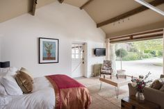 Cotswolds large luxury self-catering country house near Cheltenham