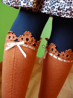 Boot socks: Crochet and ribbon edge on salmon/orange knit knee. Crochet Socks, Knitting Socks, Crochet Clothes, Knit Crochet, Knitted Slippers, Crochet Granny, Loom Knitting, Free Knitting, Boot Cuffs