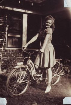 1940s photo. I can't wait for warm weather to return so that I can get back on my bike!