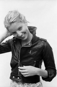 Annabelle Wallis Pan Am, leather jacket