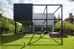 Black Cube House by KameleonLab