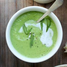 Chilled pea + avocado soup {vegan}